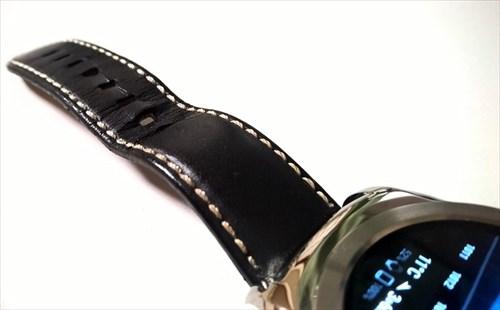 時計の革バンドの寿命は1〜2年