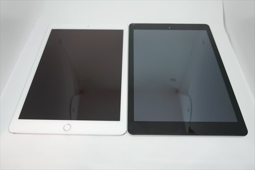 iPad Pro(左)とDG-A97QT